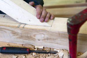 12 mai 2011, travaux pratiques de charpente au lycée professionnel Victorine Magne d'Apprentis d'Auteuil à Lisieux (14), France, Photo © Jean-Pierre POUTEAU/Apprentis d'Auteuil 2011